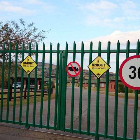 Double sliding steel palisade gate